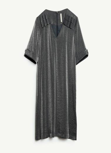 Yargıcı V  Yakalı Elbise Lacivert